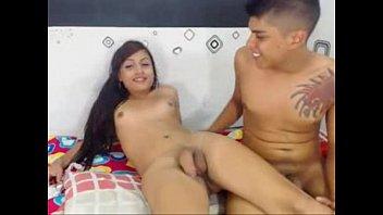 Videos de travecos novinha fazendo sexo com o namorado na webcam
