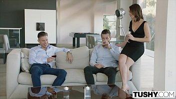 Xxxvideos esposa tesuda fodendo com dois