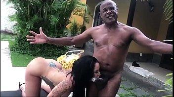 Kid bengala porno com a famosa Elisa Sanches